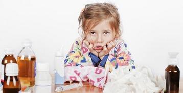 Девочка и много лекарств
