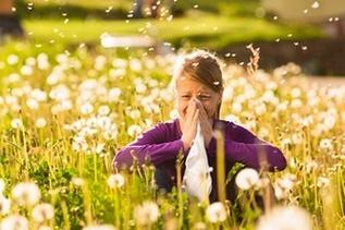 Аллергический отек носа и насморк