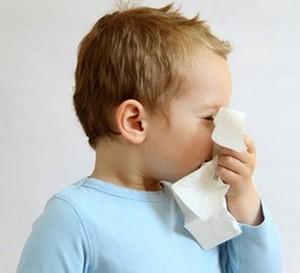 У мальчика аллергический ринит