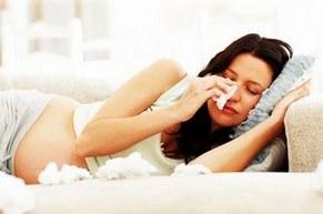 Женщина с платком на кровати