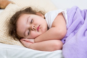 Ребенок дышит через нос