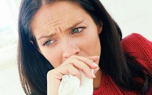 У женщины заложен нос