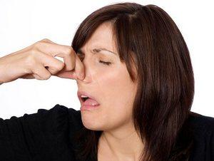 Запах из носа