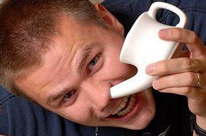 Использование чайника для промывания носа