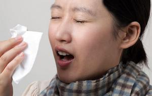 Чиханье при аллергическом синусите