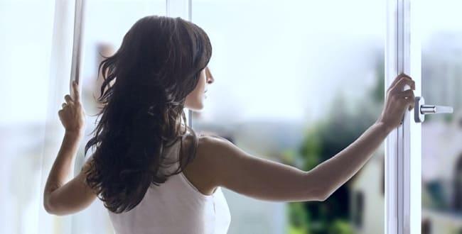 Открываем окно на проветривание